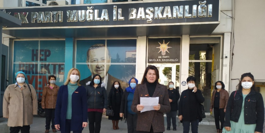 """Ak Partili kadınlar """"Kadına yönelik fiziksel ve psikolojik şiddet devam ediyor"""""""