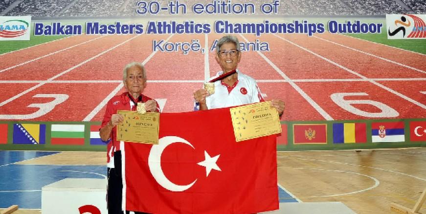 Anne kız Balkan Şampiyonası'ndan 8 altın madalya ile Bodrum'a döndü