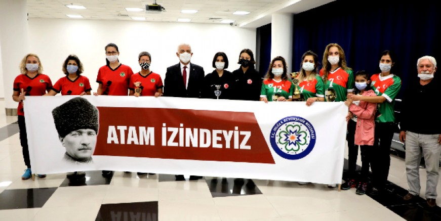 Atatürk Kupası Kadınlar Voleybol Turnuvası Sonuçlandı