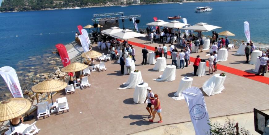Beş yıldızlı alkolsüz halk plajı açıldı