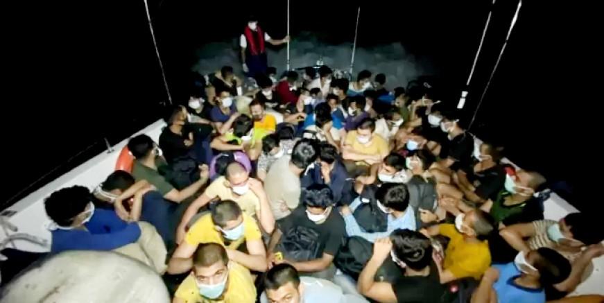 Bodrum açıklarındaki yelkenli teknede 63 göçmen 2 organizatör yakalandı