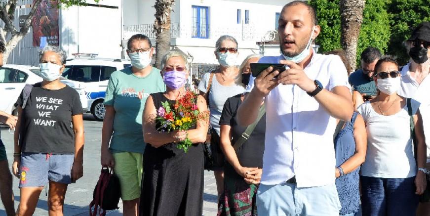 Bodrum Belediye Meydanı'nda Suruç protestosu