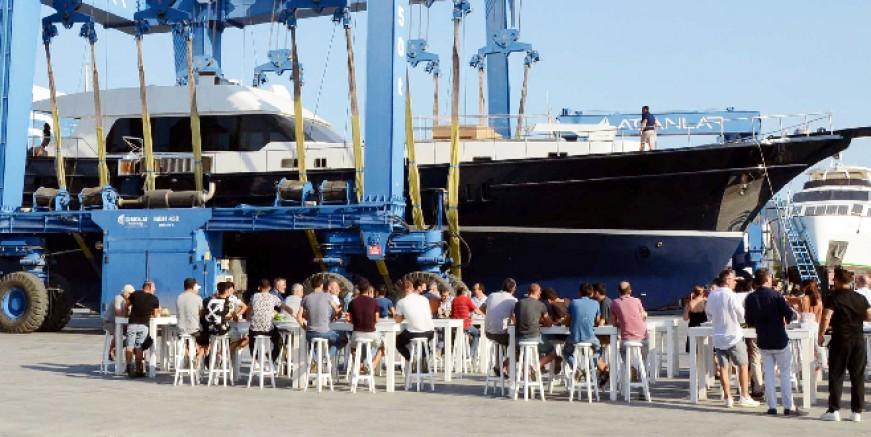 Bodrum'da 3 milyon Euroluk yat törenle denize indirildi