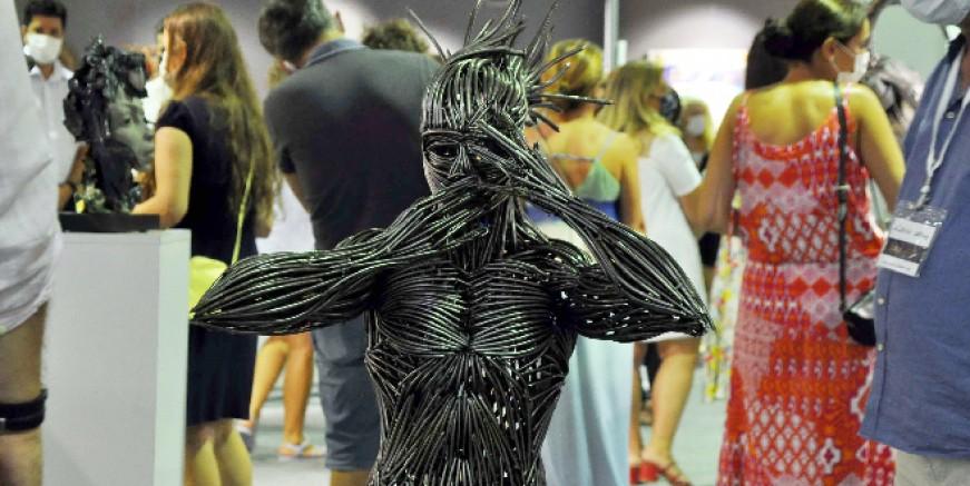 Bodrum'da sanata ilgi salgını unutturdu: Antika fuarını 2 saatte 3 bin kişi ziyaret etti