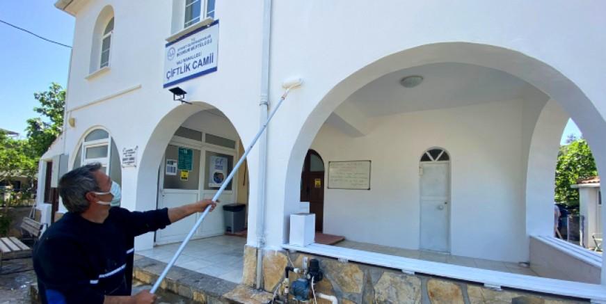 Bodrum'un tarihi camilerinde bakım ve temizlik çalışmaları yapılıyor