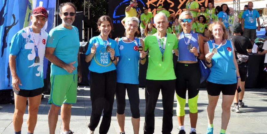 Bodrumlu atletlerden Kaş Maratonu'nda 7 madalya
