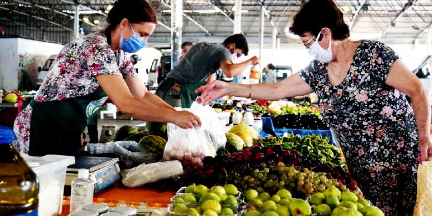 Bodrumlu çiftçinin el emeği göz nuru ürünleri bu pazarda değerlendiriliyor