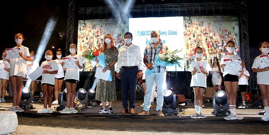 Bodrumlu Milli  dansçılar ilçenin gururu oldu