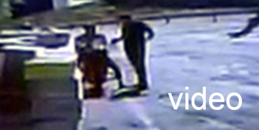 Caddenin ortasında uyuşturucu alışverişi kamerada, polis takipte
