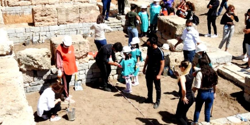 Çocuklar arkeolojiyi yaşayarak öğreniyor