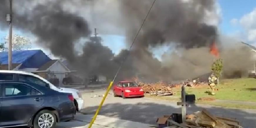 Eğitim uçağı düştü, iki kişi yanarak can verdi