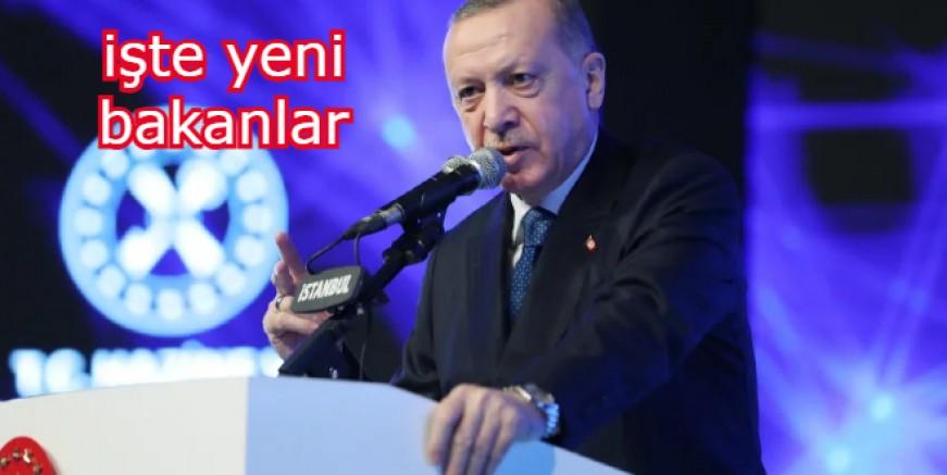 Erdoğan'dan kabineye gece yarısı operasyonu! Hangi bakanlar eşyalarını topluyor?