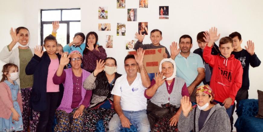 Fesleğen köyündeki Alihan bütün köyü Sinem Kobal tutkunu yaptı