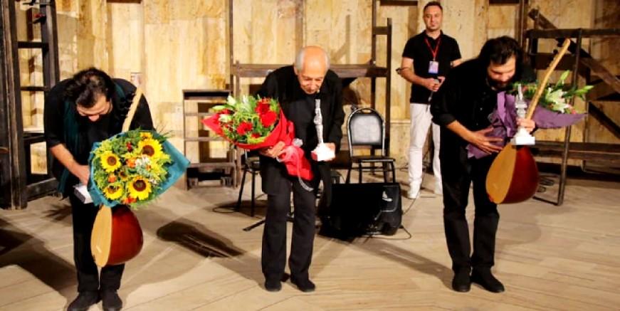 Genco Erkal Efes'te sahne aldı