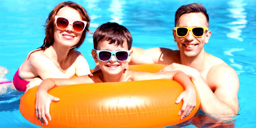 Havuz keyfi yaparken göz sağlığınızı kaybetmeyin !