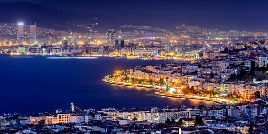 İzmir sallanıyor, art arda korkutan depremler