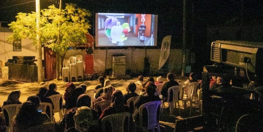 Köy meydanlarında Sarı Yaz Film Günleri gösterimi başladı