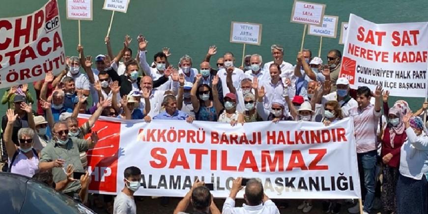 """Köyceğiz'de """"Barajlar Satılamaz"""" eylemi"""