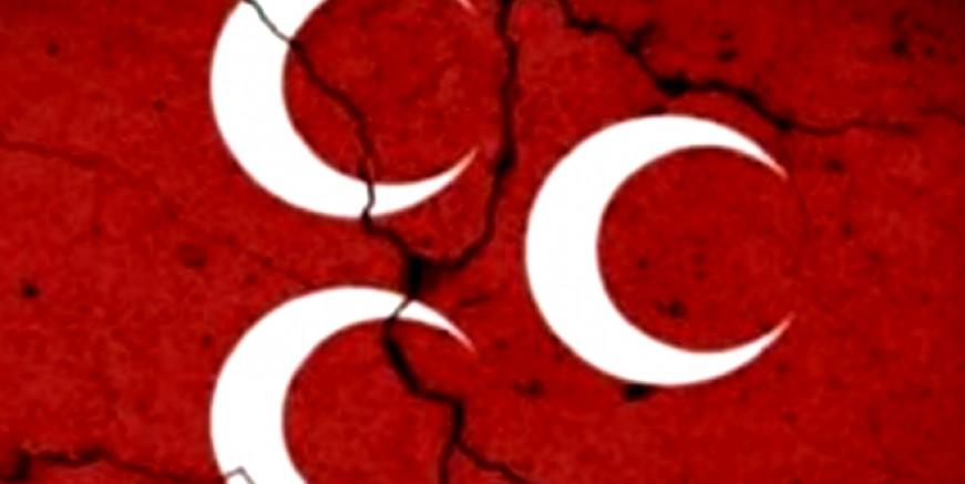 MHP'den şok istifa, tam 2 bin kişi ile CHP'ye geçiyor