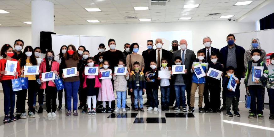 Muğla Büyükşehir tablet desteğini sürdürüyor