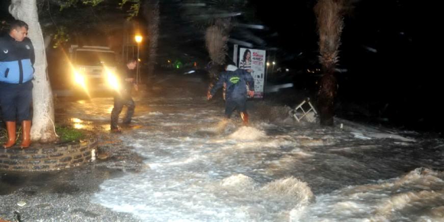 Muğla ile üç il için sağanak ve fırtına uyarısı yapıldı
