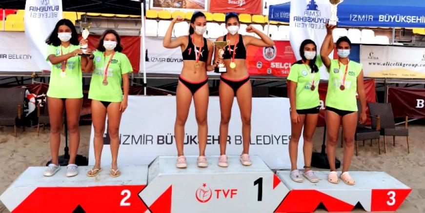Muğlalı voleybolcular Türkiye Şampiyonu oldu