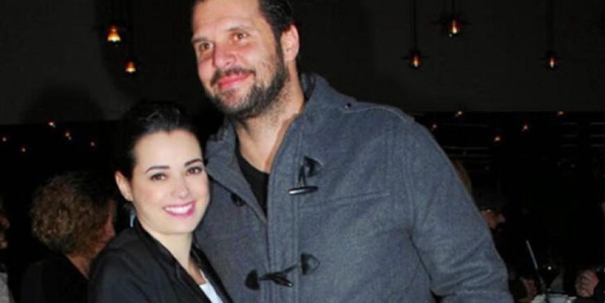 Oyuncu Özgü Namal'ın eşi  Serdar Oral, geçirdiği kalp krizi sonucu hayatını kaybetti