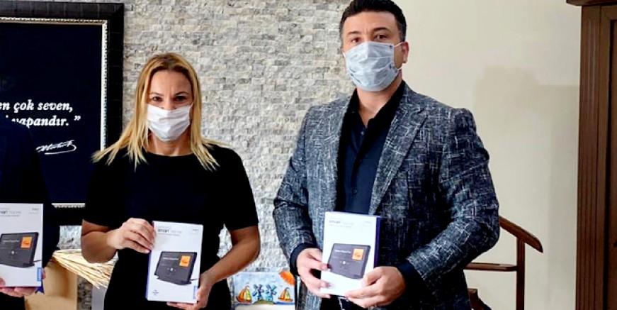 Rüya Karatoprak'tan eğitime tablet desteği