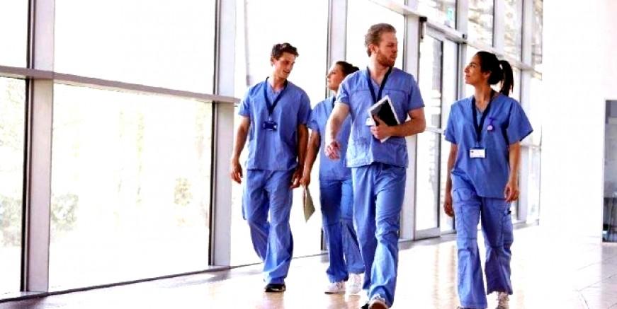 Sağlık çalışanları için ek ödeme kararı Resmi Gazete'de yayınlandı