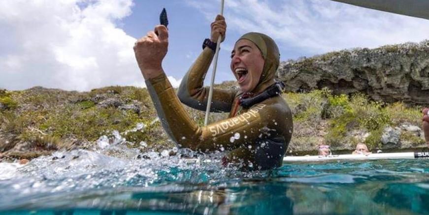 Şahika Ercümen 5 rekor 3 madalya ile Türkiye'ye dönüyor