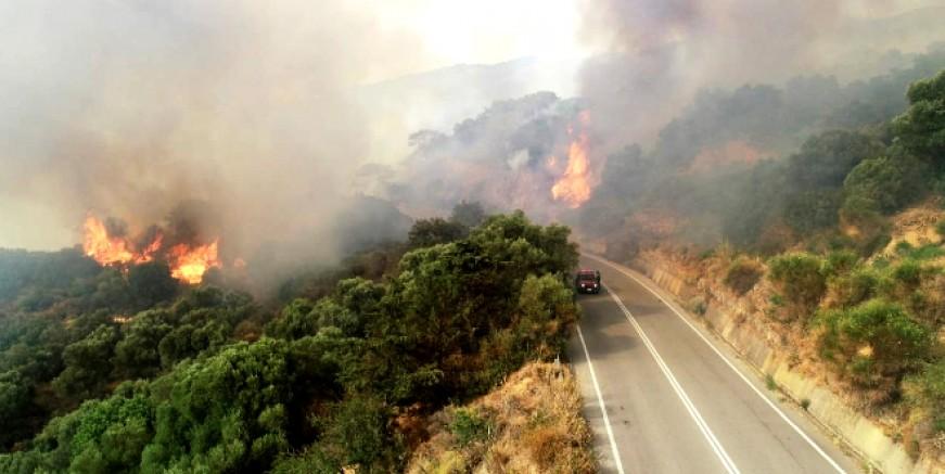 Sakız Adası yanıyor köyler boşaltılıyor