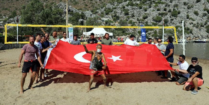 Selimiye'de plaj voleybolu heyecanı başladı
