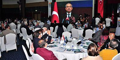 Gazeteciler buluştu: Anadolu basını bitiyor