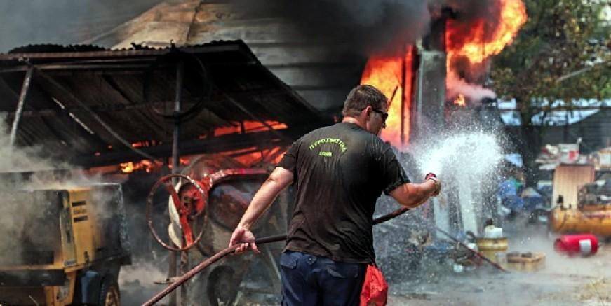 Yunanistan alev alev yanıyor, kentler boşaltılıyor