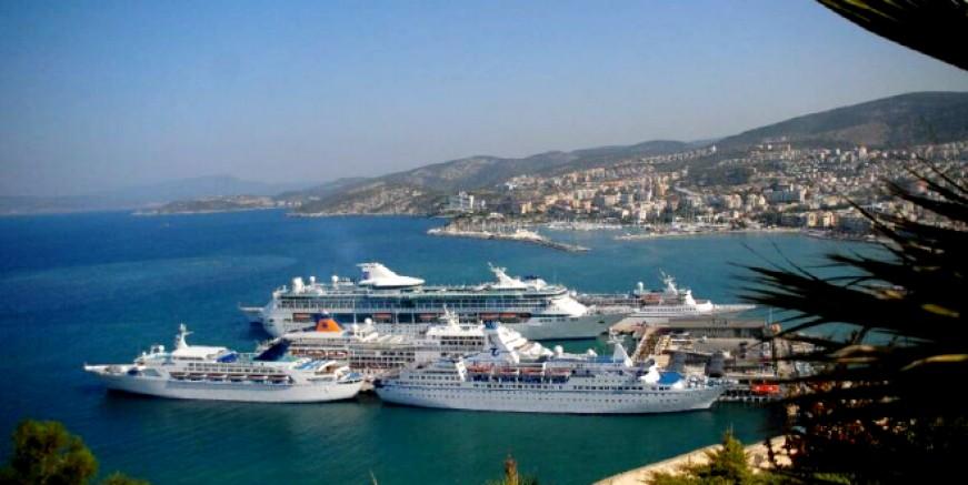 Yunanistan Kuşadası ve İstanbul limanlarına  covid 19 yasağını kaldırdı