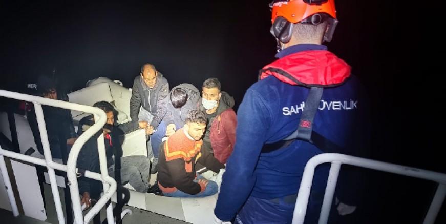 Yunanlıların geri ittiği 71 göçmen Bodrum açıklarında kurtarıldı